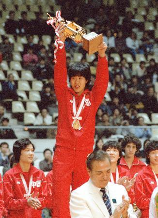 """奥运历史巨星之郎平--四号位的""""铁榔头"""""""