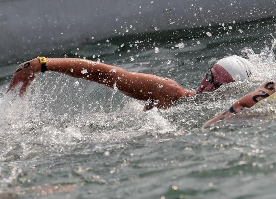 图文-女子10公里公开水域决赛 荷兰埃迪特-范戴克