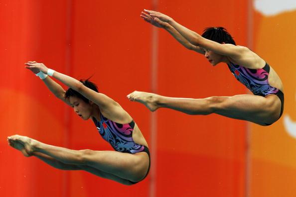 图文-跳水女子双人10米台决赛 王鑫陈若琳发挥出色
