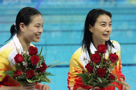 图文-[奥运]女子跳水三米板 吴敏霞笑的很开心