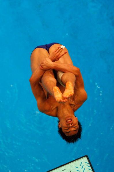 图文-奥运跳水男子3米跳板预赛 动作十分标准
