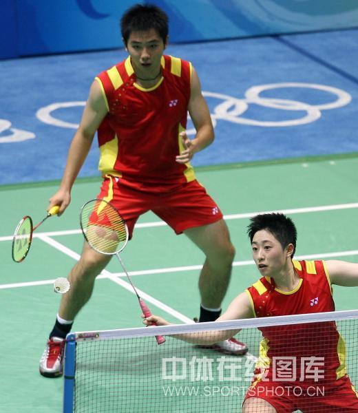 图文-奥运会羽毛球赛12日精选 中国组合顺利晋级