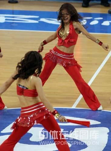 图文-[奥运会]中国男篮85-68安哥拉 美女火爆身材