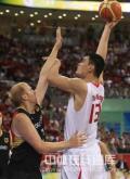 图文-[奥运会]中国男篮59-55德国 卡曼动作偏慢