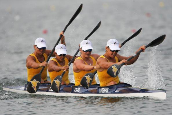 图文-奥运会皮划艇静水比赛拉开帷幕 奋力划行