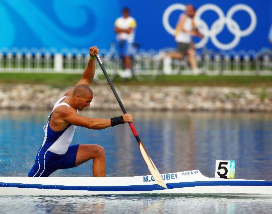 图文-男子单人划艇1000米半决赛 古贝尔夺小组第一