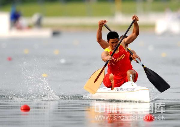 图文-孟关良/杨文军500米划艇卫冕 赛场英姿