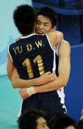 图文-男排预赛中国胜委内瑞拉 于大伟庆祝胜利