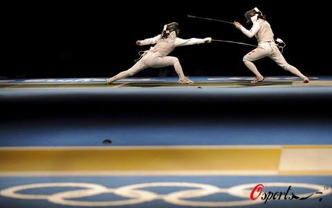 图文-奥运会女子花剑个人赛 看我这一剑