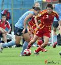 图文-[教学赛]中国女足0-0美国 李洁贴身逼抢
