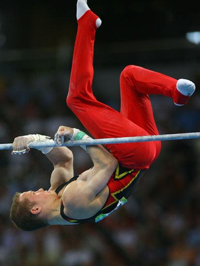 图文-体操男团中国夺得冠军 汉布钦的精巧动作