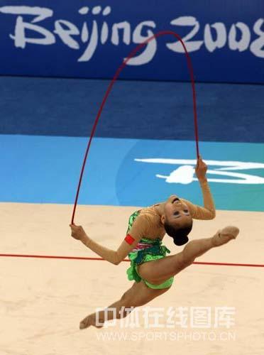 图文-艺体个人首轮李红扬位列第12 精彩的绳操