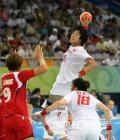图文-[女子手球]中国23-30挪威 10号队员射门