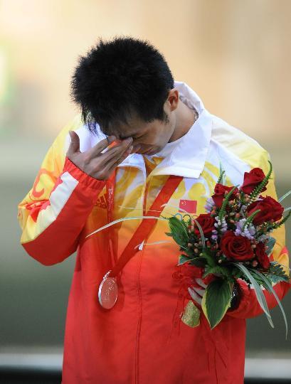 图文-朱启南泪洒奥运场 赛场不相信眼泪