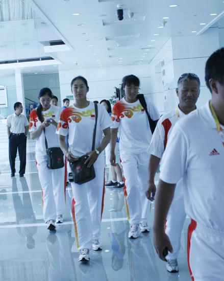 图文-奥运赛艇金牌组合做客新浪 奥运冠军们到来