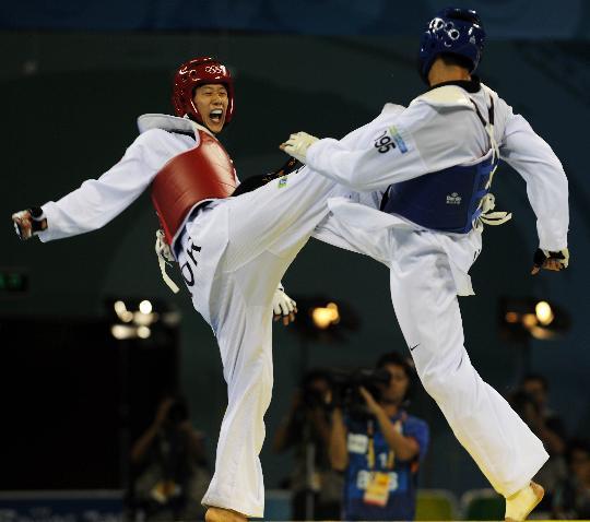 图文-跆拳道男子68公斤级 韩国孙泰珍夺得金牌