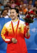 图文-奥运会女子单打决赛 王楠开心获得银牌