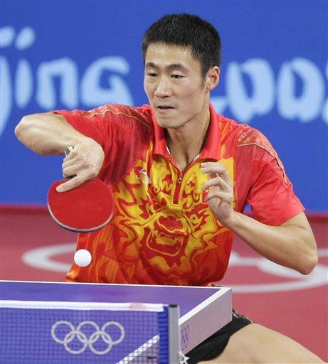 图文-乒乓球男单半决赛 王励勤在比赛中