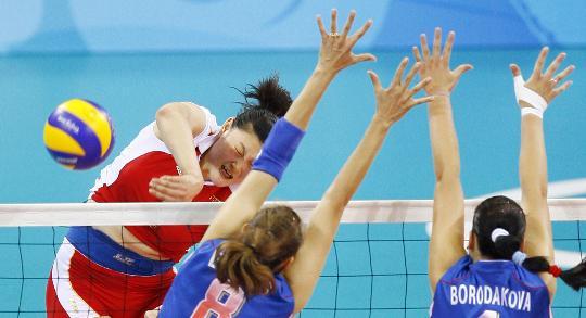 图文-[奥运女排]中国3-0俄罗斯 王一梅强攻得手