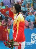 图文-奥运女子沙滩排球决赛赛况 向观众敬礼