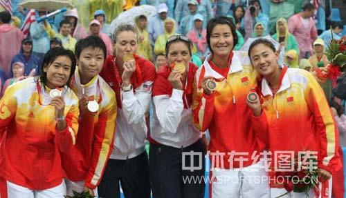 图文-奥运女子沙滩排球决赛赛况 中国队加油