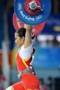 图文-女举48公斤级陈燮霞夺中国首金 轻松举起