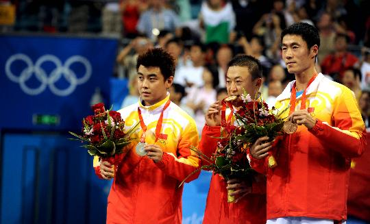 Gana chino Ma Lin oro en singles masculino de tenis de mesa