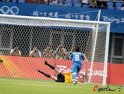 图文-[奥运会]女足日本2-2新西兰 泽穗希射门瞬间
