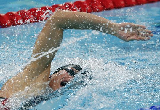 图文-男子200米自由泳半决赛赛况 水中激情涌动