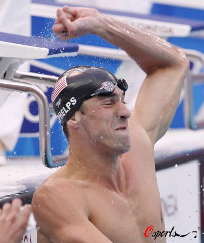 图文-菲尔普斯100米蝶泳夺第七金 爽呆了第七金