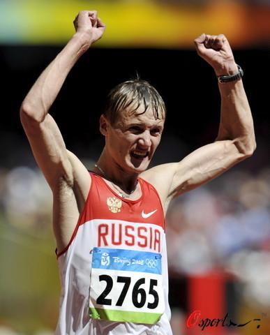 图文-北京奥运会男子20公里竞走 欢呼显得无力