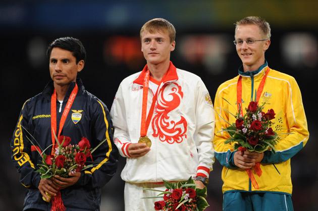 图文-[奥运]男子20公里竞走 博尔钦(中)夺得冠军
