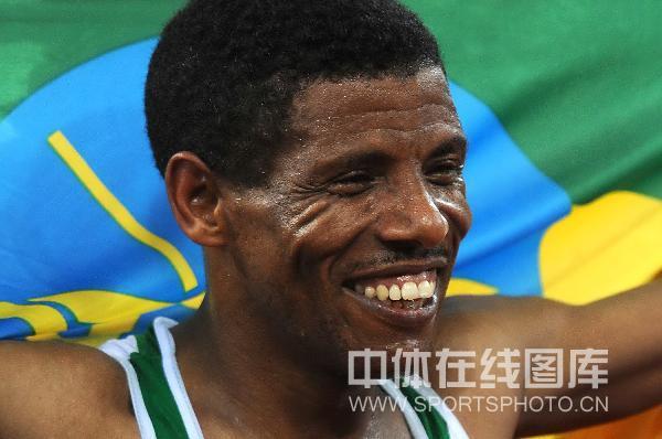 图文-男子10000米决赛 加布雷塞拉西获得第六