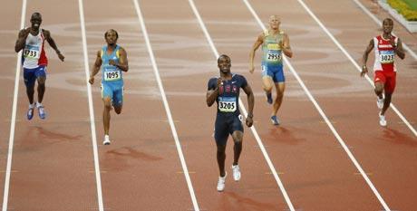 图文-[奥运]田径男子400米 姿势有点眼熟