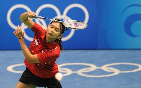 图文-羽毛球比赛开赛 尤利安蒂奋力迎战