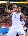 图文-[奥运]中国男篮77-91希腊 姚明被挡在身后