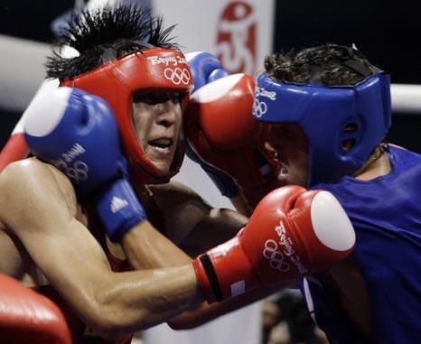 图文-19日奥运拳击赛场赛况 遭遇双拳夹击