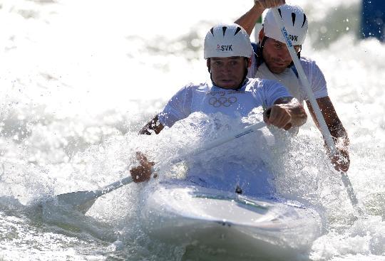 图文-皮划艇激流回旋精彩回顾 兄弟二人齐发威