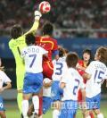 图文-[奥运]中国女足0-2日本 日本队门前告急