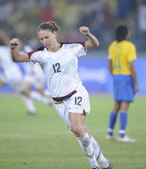 图文-女足决赛美国1-0巴西 劳伦-切尼庆祝进球
