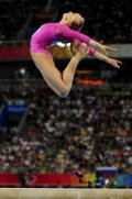 图文-体操女子全能柳金登冠 柳金的跳跃又高又飘