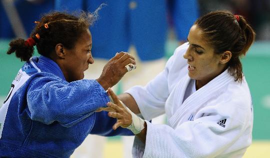 图文-女柔57公斤级意大利选手摘金 昆塔瓦莱抓机会