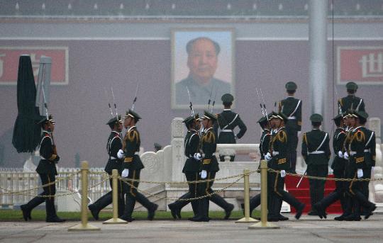 图文-奥运开幕式当天看升旗 准备迎接庄重的时刻