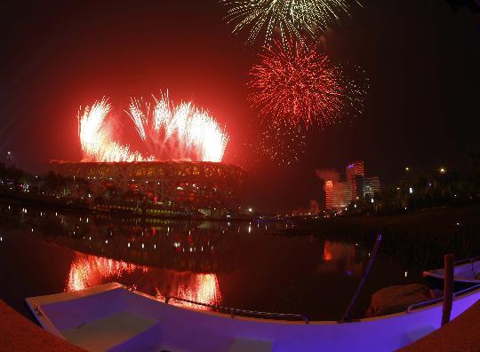 图文-奥运开幕式焰火盛放点亮北京 效果美不胜收