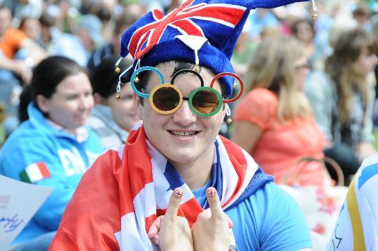 图文-北京奥运闭幕伦敦全城派对 市民热情高涨