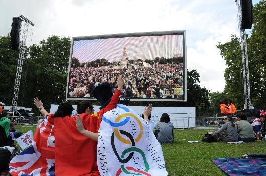 伦敦狂欢迎接2012奥运会