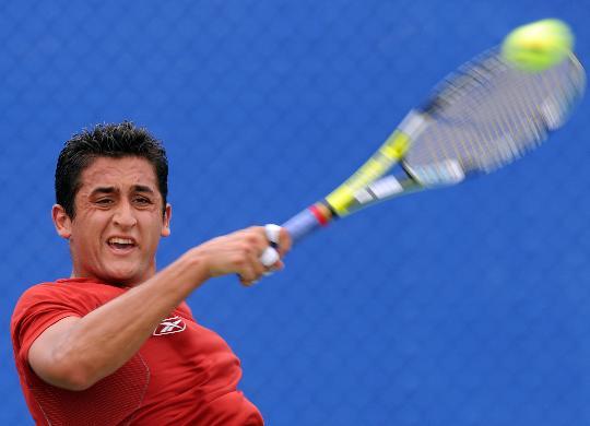 图文-奥运网球男单首轮11日赛况 看你能不能接到