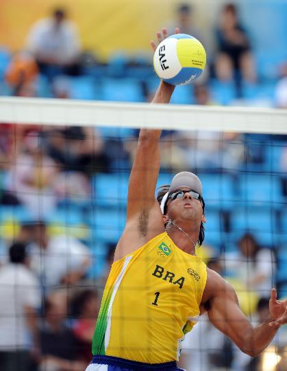 图文-男子沙排巴西战胜格鲁吉亚 桑托斯在比赛中
