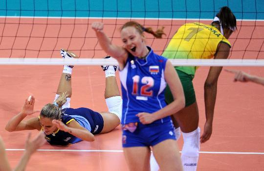 图文-女排预赛巴西胜俄罗斯 舍舍宁娜进攻得手