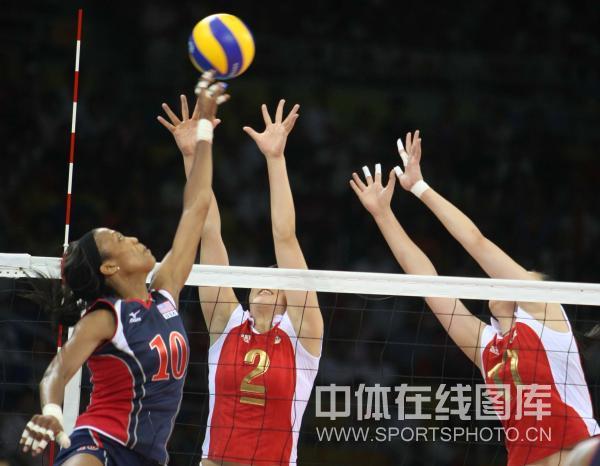 图文-[奥运会女排]中国队vs美国队 吊球能否成功